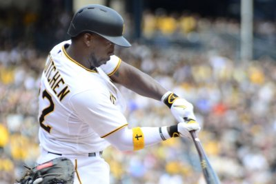 Andrew McCutchen's three-run homer leads Pittsburgh Pirates past Chicago Cubs