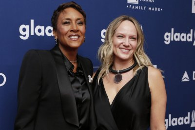Look Robin Roberts Amber Laign Celebrate 15 Years Together I Love You With All My Heart Upi Com