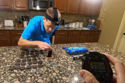 Man stacks 38 cookies in 30 seconds for Guinness record