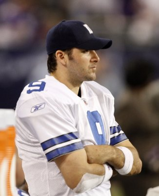 Romo replaces Favre on Pro Bowl roster