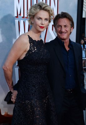 Sean Penn, Charlize Theron plan to wed in South Africa