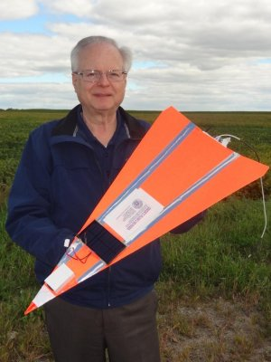Paper airplane soars at more than 96,000 feet
