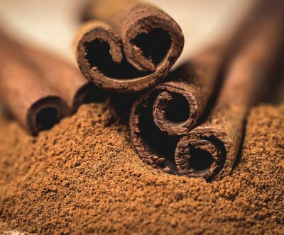 A spoonful of cinnamon may keep the doctor away
