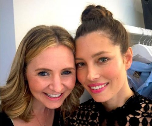 Jessica Biel reunites with '7th Heaven' co-star Beverley Mitchell