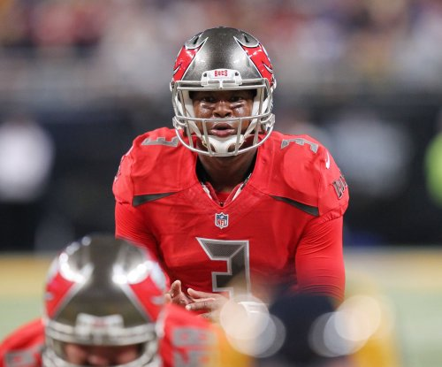 Tampa Bay Buccaneers rally past the San Diego Chargers