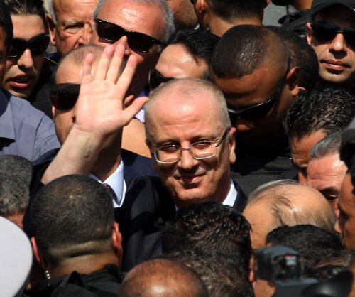 Hamdallah visits Gaza to begin reunification with Ramallah