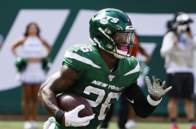 Jets put RB Le'Veon Bell on IR, sign ex-Dolphins RB Kalen Ballage