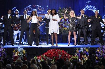 Jennifer Hudson joins 'Divas' lineup
