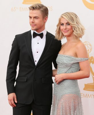 Julianne Hough and Derek Hough to go on dancing tour across America