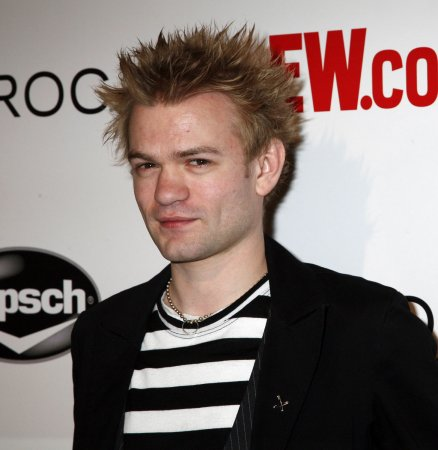 Deryck Whibley drops ex Avril Lavigne's name three years after their divorce