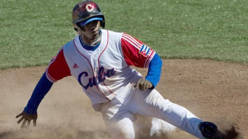 Red Sox sign Cuban outfielder Rusney Castillo for 7-year deal