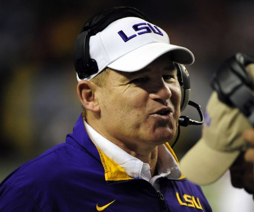 LSU RB Leonard Fournette sprains ankle in practice