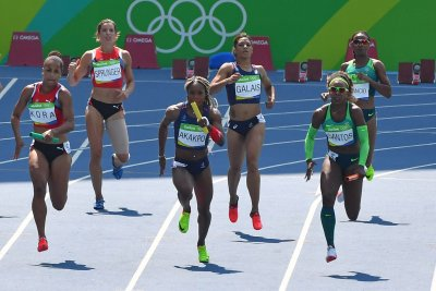USA allowed to re-run women's 4x100 after baton drop