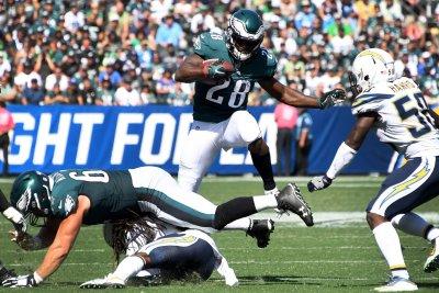 Jason Kelce: Philadelphia Eagles C gets cleated, kicks trash can