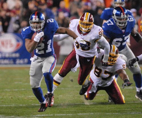 New York Giants coach Pat Shurmur reaches out to former RB Tiki Barber