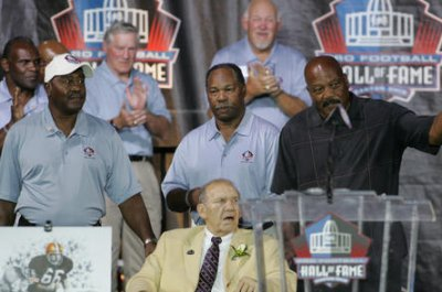 Bobby Mitchell, Redskins pioneer and Hall of Famer, dies at 84