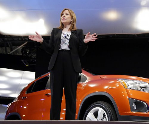GM plans to challenge Tesla by debuting the electric Chevrolet Bolt in 2017