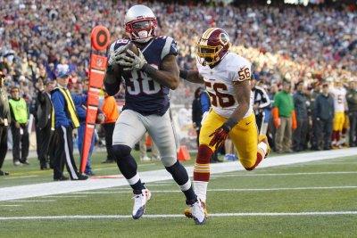 New England Patriots re-sign RB Brandon Bolden