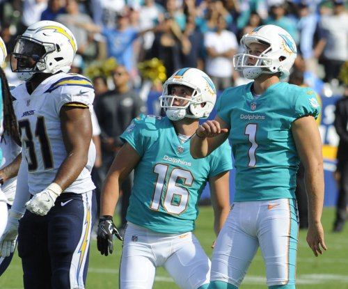 Cody Parkey boots Miami Dolphins past Los Angeles Chargers