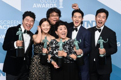 Top SAG Awards go to 'Parasite,' 'Crown,' 'Maisel'