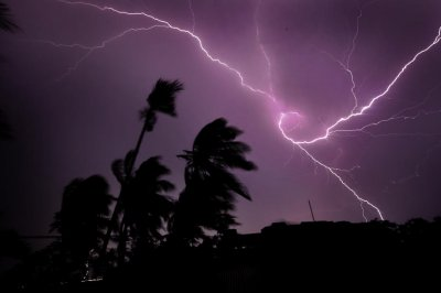Potent storm to bring flood threat, gusty winds to Hawaiian Islands