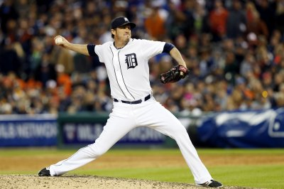 Chicago Cubs signed injured RHP Joe Nathan