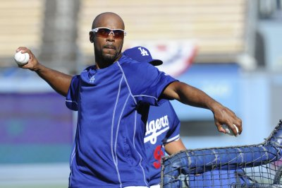 Chicago White Sox dump SS Jimmy Rollins, promote prospect Tim Anderson
