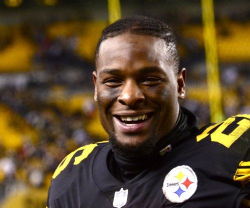 Pittsburgh Steelers: Le'Veon Bell, Ramon Foster troll team after GM gets extension