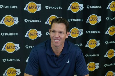 Kings name Luke Walton new coach