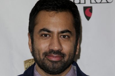 Kal Penn says his immigration comedy 'Sunnyside' is not political