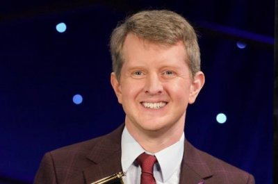 'Jeopardy!': Ken Jennings crowned greatest of all time