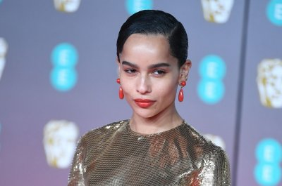 'High Fidelity' star Zoe Kravitz misses the 'community' of record stores