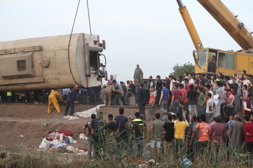 At least 11 dead, 98 injured in Egypt train crash