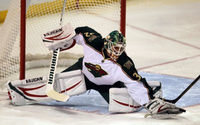 Goalie Niklas Backstrom signs 3-year deal with Wild