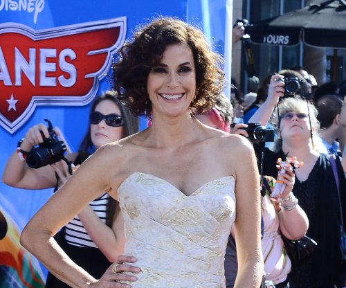 Teri Hatcher to guest star on 'The Odd Couple'