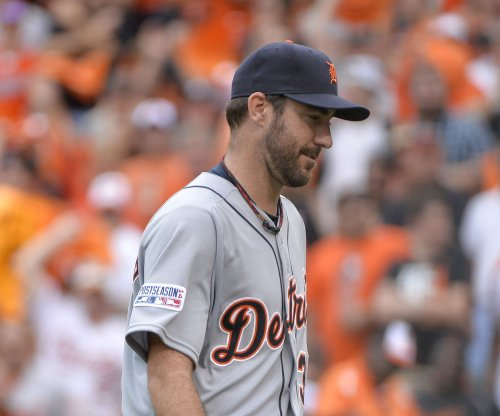 Justin Verlander strikes out 10, Detroit Tigers beat Kansas City Royals