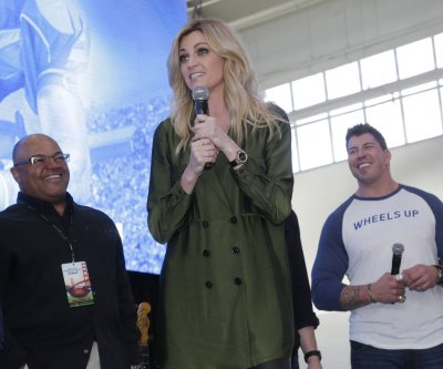 Erin Andrews is engaged to Jarret Stoll, confirms Maksim Chmerkovskiy