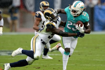 Miami Dolphins RB Jay Ajayi diagnosed with concussion, ruled out