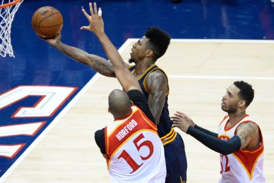 Cleveland Cavaliers guard Iman Shumpert undergoes knee surgery