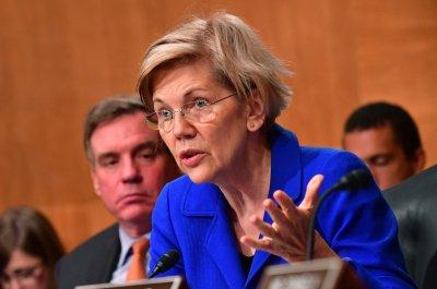 Elizabeth Warren explores presidential run: Middle class 'under attack'