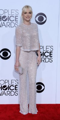Anna Faris lands on 'Worst' and 'Best' dressed lists for golden pant suit