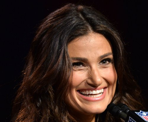 Idina Menzel to star in Ellen DeGeneres comedy