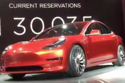 Tesla Motors reveals Model 3 electric car