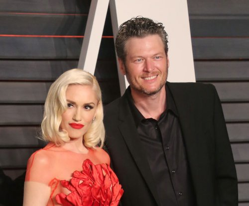 Blake Shelton joins Gwen Stefani and her sons on winter getaway