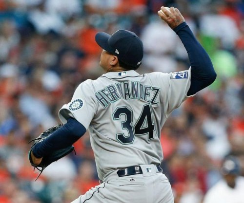 Seattle Mariners lose ace Felix Hernandez to groin injury in fifth inning