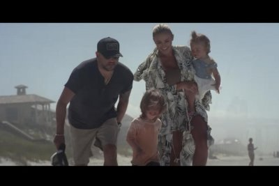 Jason Aldean features family in 'Got What I Got' music video