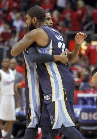 Grizzlies grit, grind past the Pacers