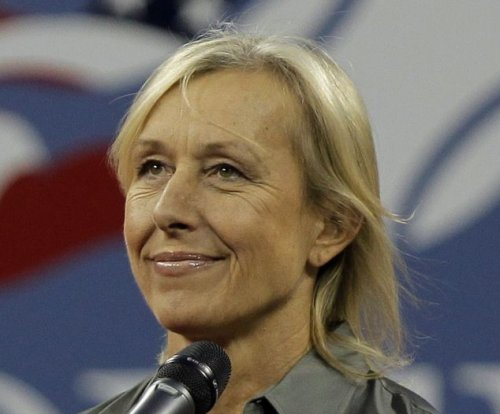Martina Navratilova weds longtime girlfriend Julia Lemigova
