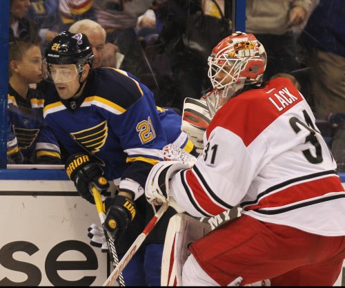 Eddie Lack, Carolina Hurricanes shut down St. Louis Blues
