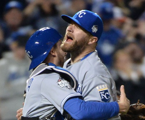 Kansas City Royals closer Wade Davis placed on DL